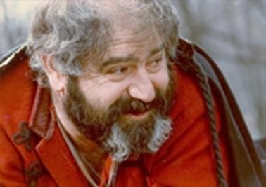 Avtandil Makharadze dans le rôle de Vouk Isakovitch,