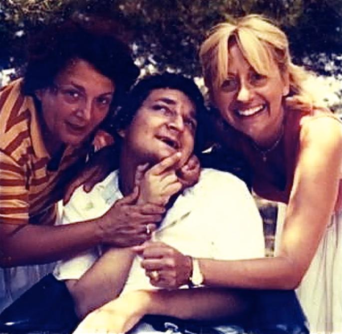 1985 – Rovinj - Dragan sa majkom (levo na slici)   i tetkom Radmilom Čvorić (sestra Aleksandra Petrovića)